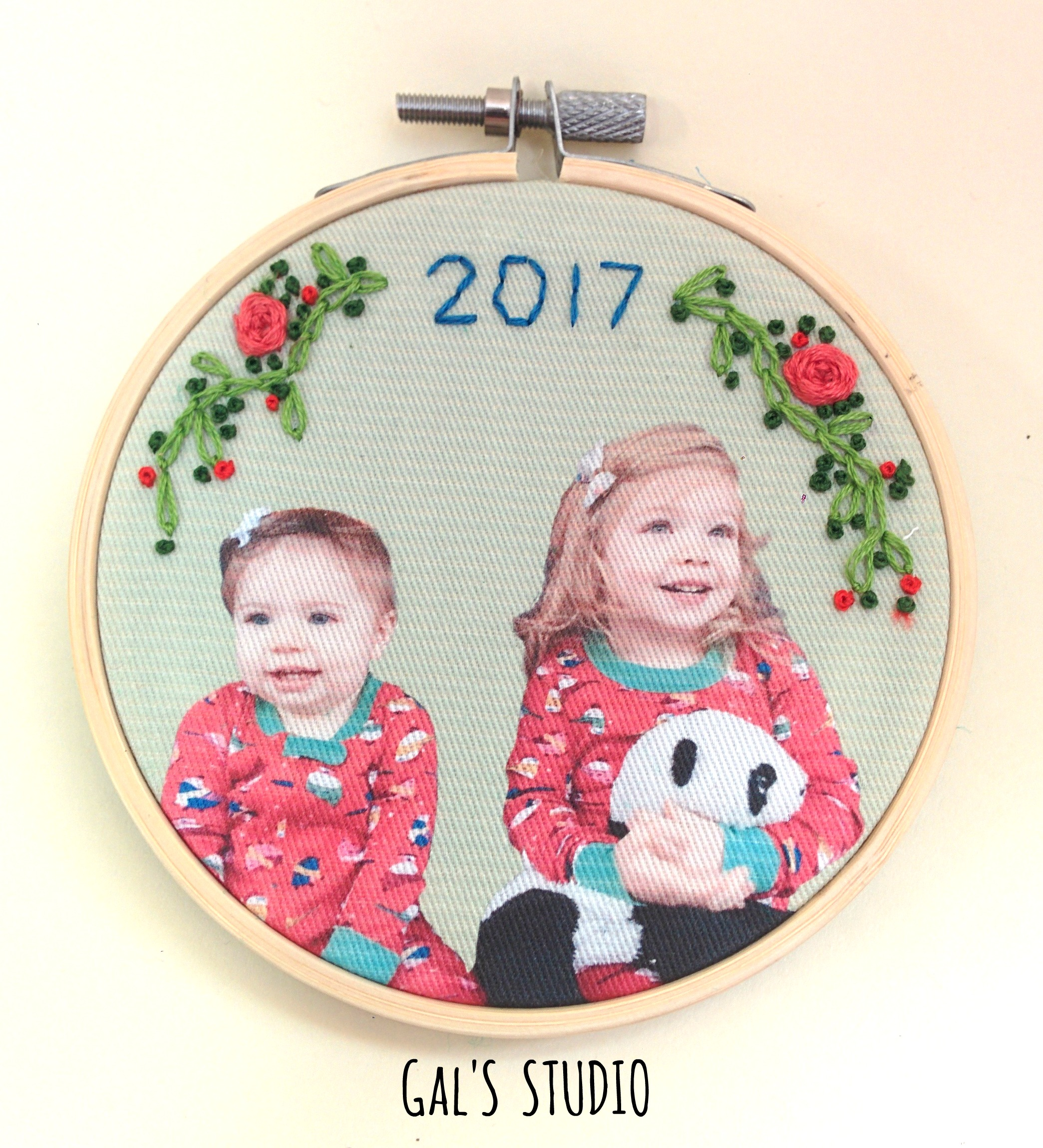 galstudio alicia's kids ornament
