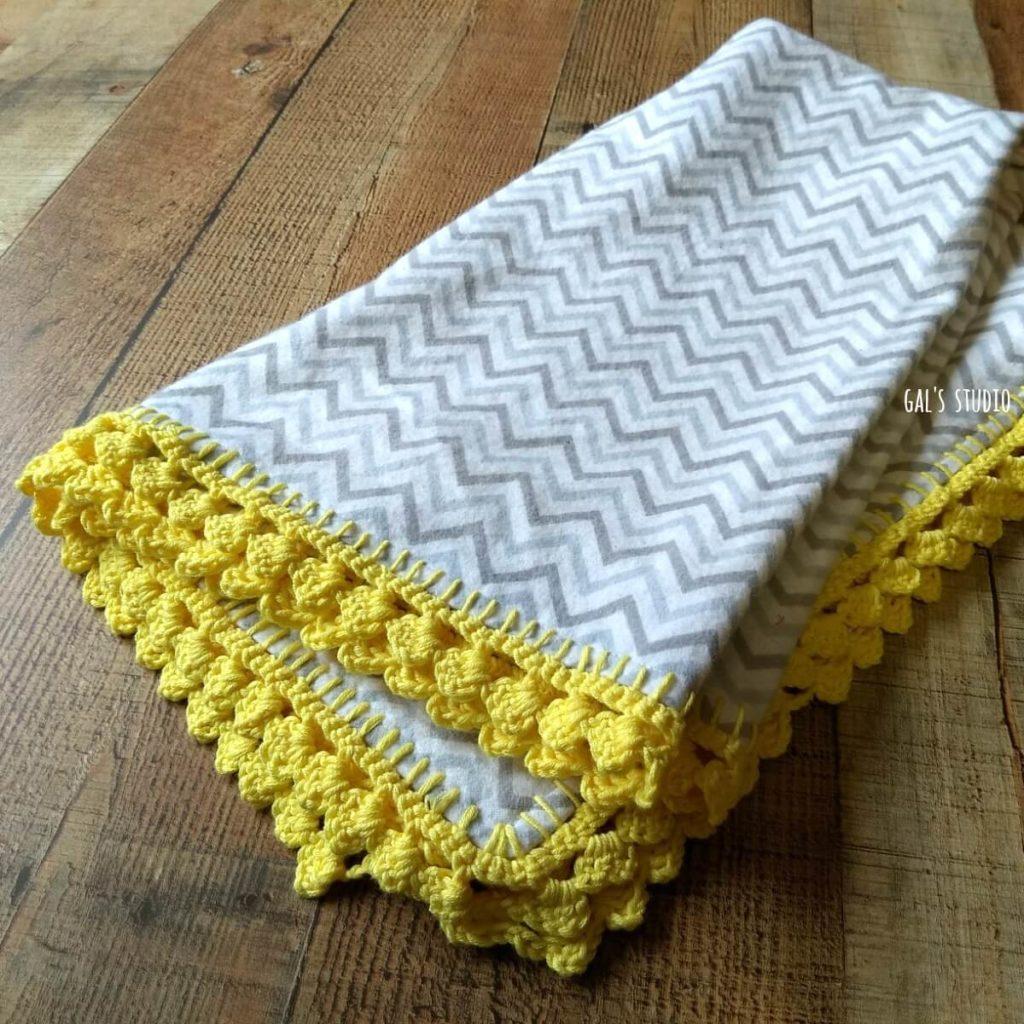 שמיכה עם גימור קרושה צהוב