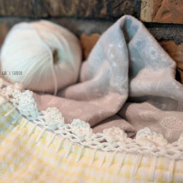 קרושה בתהליך, שמיכה לצד חוט צמר לבן